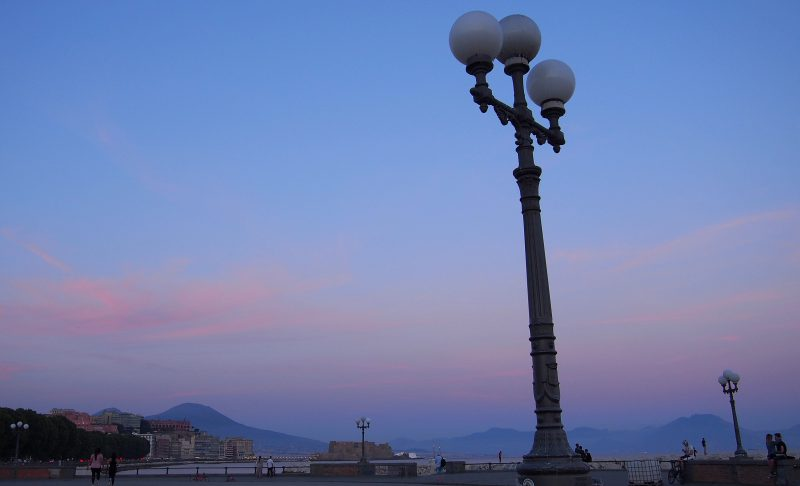 Auringonlasku Napolissa, Kuva: Arjen pilkahduksia -blogi, luvaton käyttö kielletty