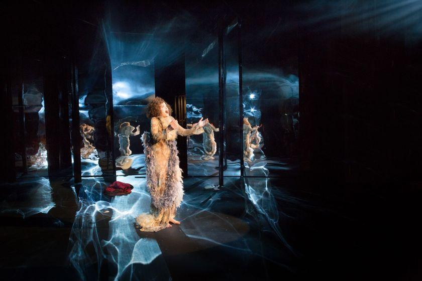 Piaf-musikaali, kuva Pette Rissanen