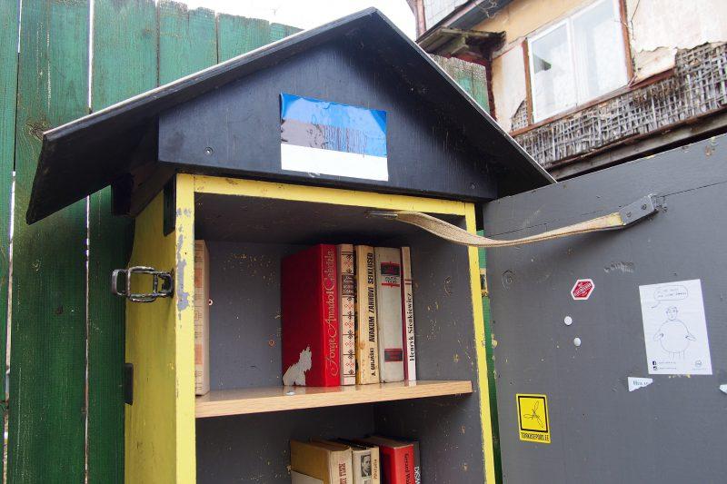Kirjojenvaihtopiste Supilinnissa, Tartossa, Virossa, Kuva: Arjen pilkahduksia -blogi, luvaton käyttö kielletty