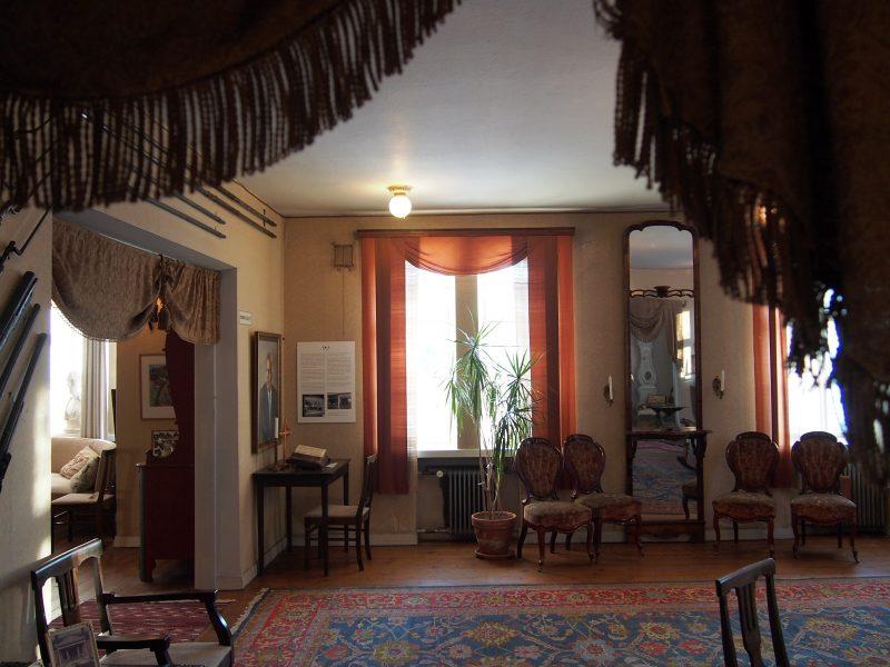 Liedon Vanhalinnan sali, Kuva: Arjen pilkahduksia -blogi, luvaton käyttö kielletty